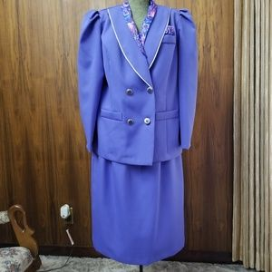 2 piece suit with neck and pocket scarf